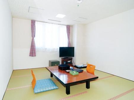 和室6帖バストイレ洗面なしの普段は乗務員用の部屋