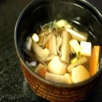 芋煮汁・・・手作りで味わう田舎の味。温かくてホッコリ♪