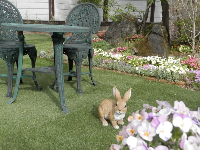 ペンションの庭でティータイム