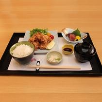 【夕食】選べる夕食お膳 知床鶏米粉揚げ
