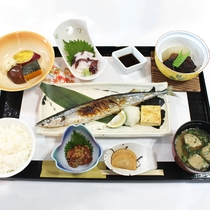 【朝食】秋刀魚メインの和食膳