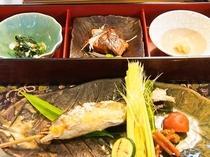 夕食例 鮎 塩焼き C