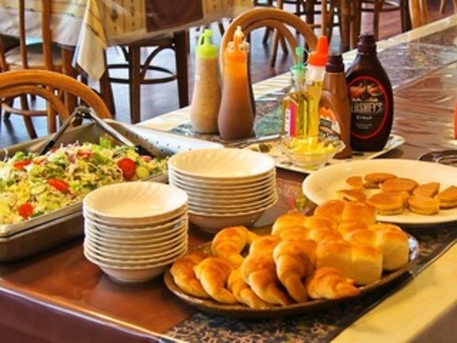 朝食バイキング例C