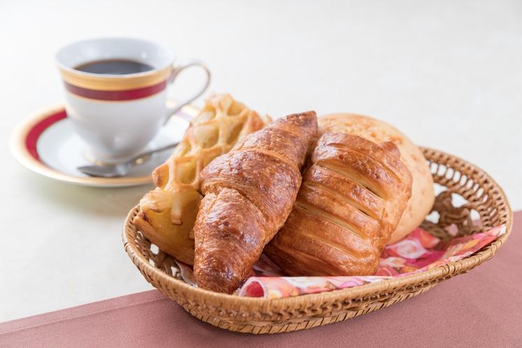 自家製パンとコーヒー