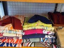 色浴衣と作務衣
