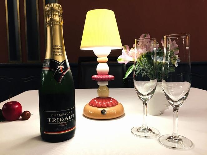 クリスマス限定・シャンパンハーフボトル【イメージ】①
