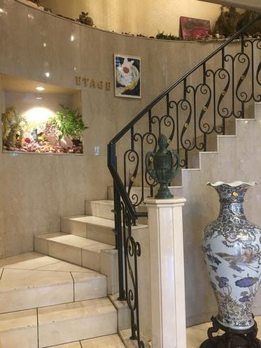 エタージュ・入口階段
