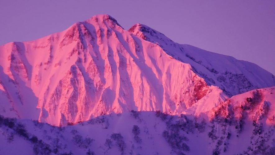 *[白馬の景色・冬]客室からも眺められる北アルプスの雄大な風景