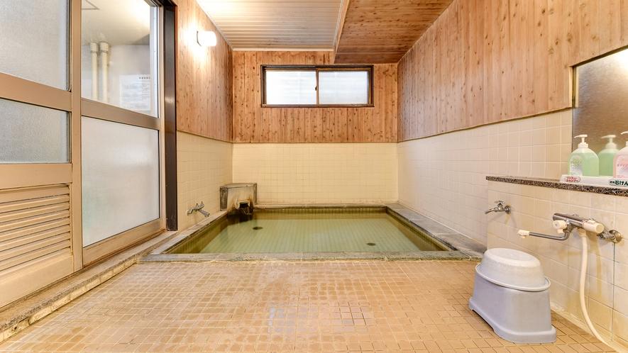 *大浴場(男湯)/天然温泉がアクティブに動いた1日の疲れを癒します。