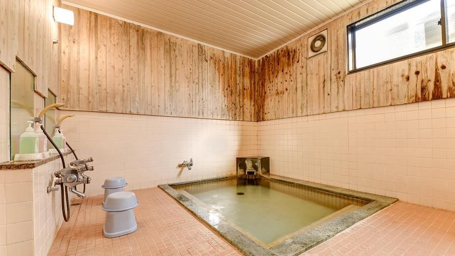 *大浴場(女湯)/ゆったりと温泉でリフレッシュ♪夜は23時まで朝は早朝5時から入浴可能です。