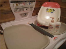 No1のお風呂には、おむつ交換台とお風呂用のチェアをご利用いただけます。