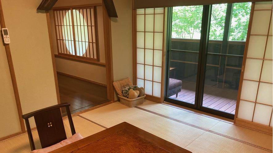 花の参番客室 和室8.5畳+8.5畳+4.5畳洋間+ウッドデッキ
