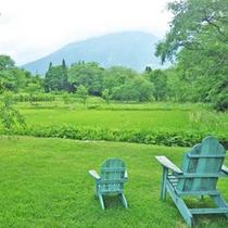 *【ガーデン】散策するもよし、椅子に座ってのんびり景色を眺めるだけ…もよし。