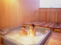 ジャグジーの貸切露天風呂
