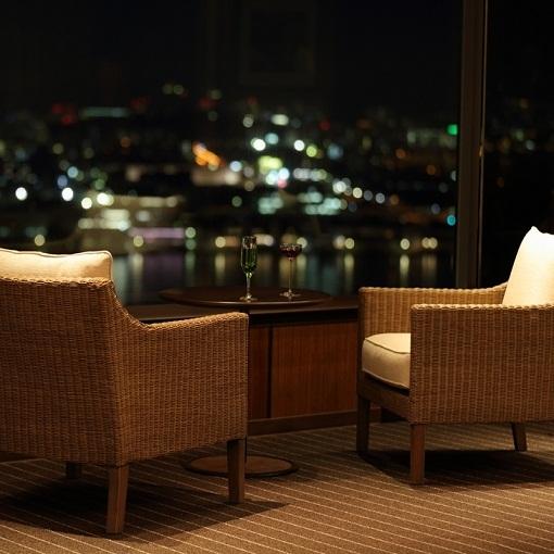 スカイラウンジ「トップ オブ ヒロシマ」23F:大切な方と特別な時間をお過ごしください