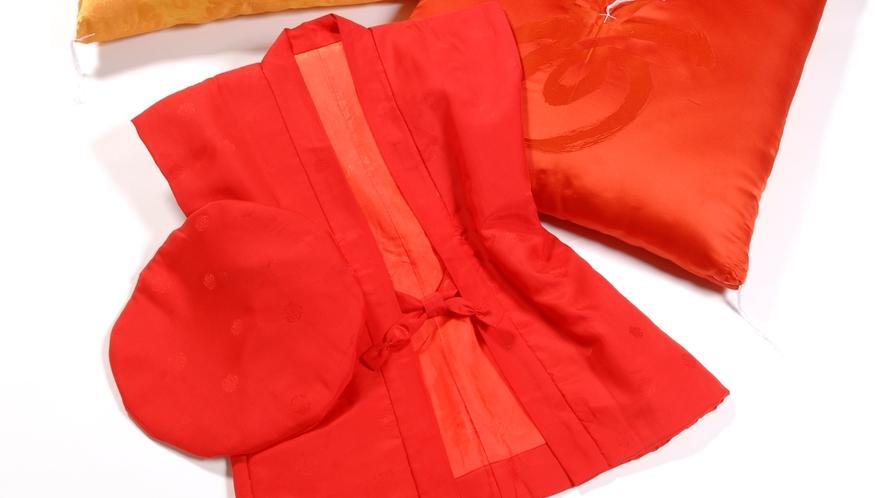 還暦・喜寿・米寿などのお祝いに無料貸し出し、ちゃんちゃんこ、帽子、座布団(イメージ)