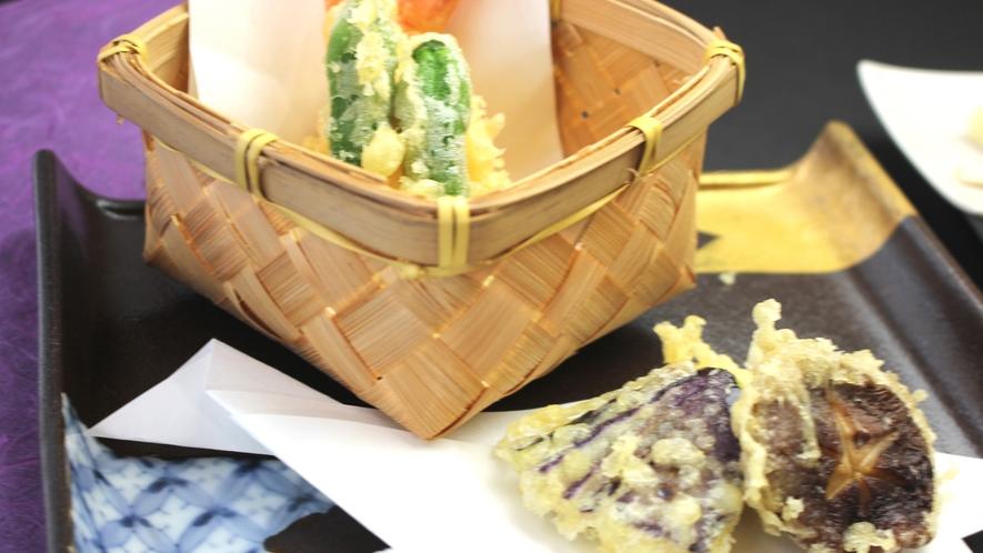 春を告げる山菜の天ぷら  ※イメージ