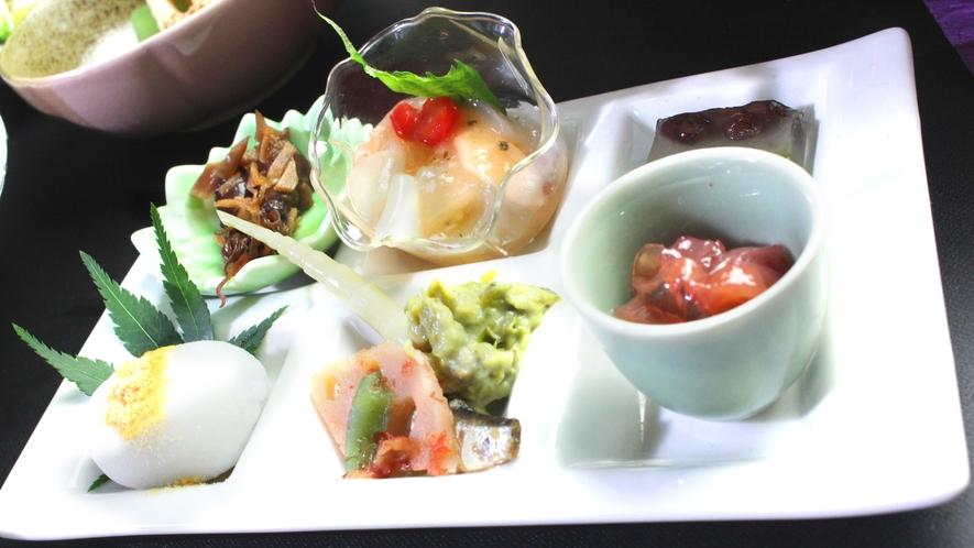 美味しさは勿論、見た目にもこだわる創作料理の数々!