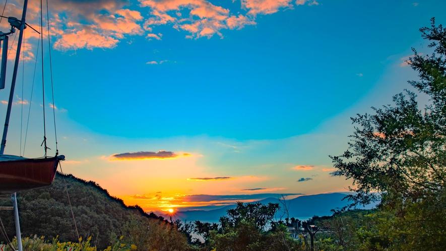 ・デッキから眺める朝日 深呼吸したくなります