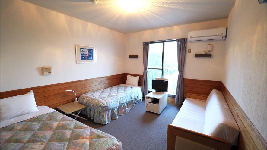 ・【2~3名部屋】お友達やご家族とお過ごしいただけるお部屋♪楽しい旅の思い出とともにお過ごしください