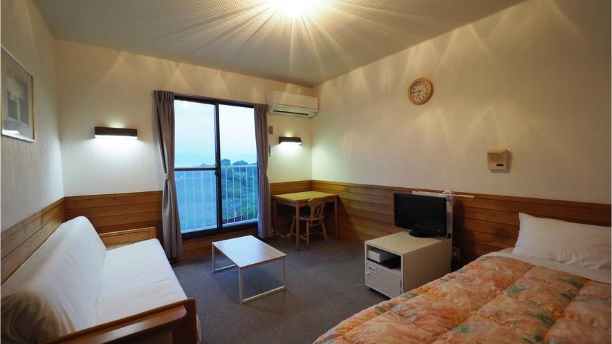 ・【シングル】岡山牛窓の景色を眺めながらのんびり気分を味わえるお部屋。一人旅でもご利用いただけます