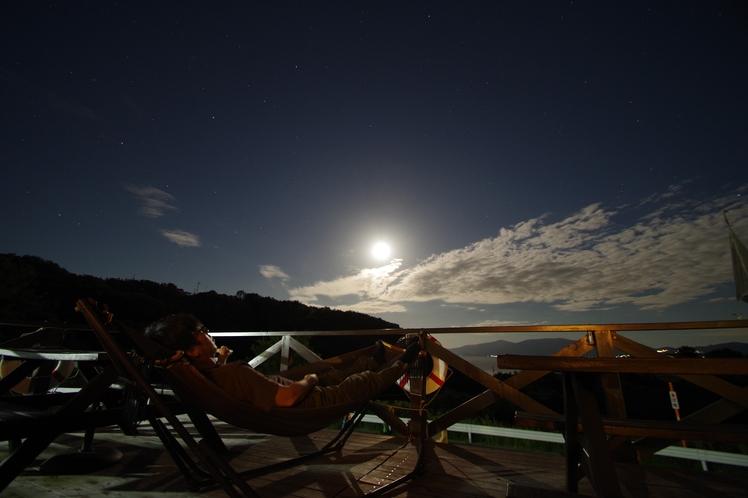 満月テラスとハンモック