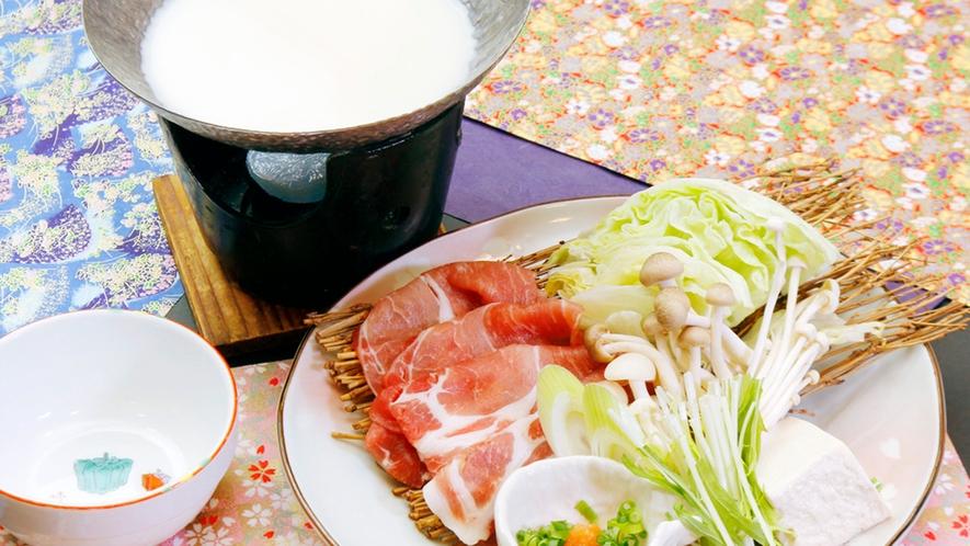 ◆豆乳しゃぶしゃぶ◆甚五郎自慢の味!しっかりとしたお肉の旨味と豆乳がからんでまろやかでヘルシー!