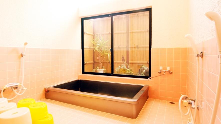 ◆一日の疲れを癒やすお風呂は清潔感たっぷりで広々♪