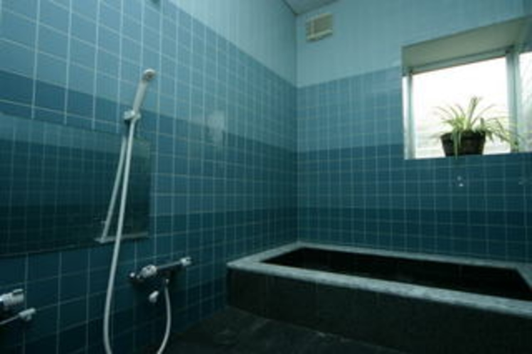 貸切内風呂★オーナー手作り御影石風呂