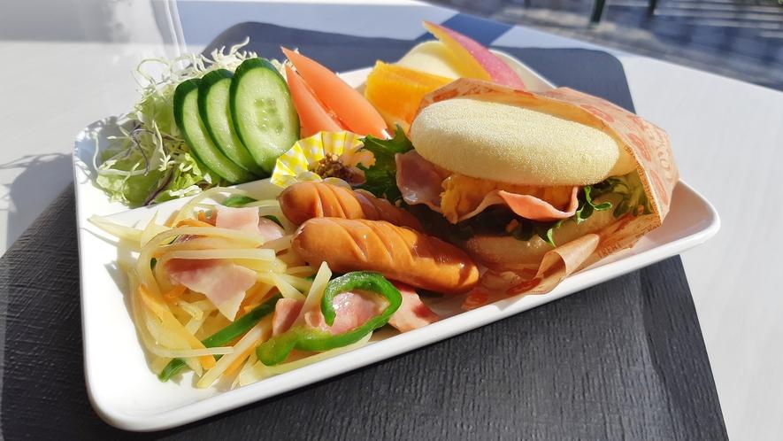 軽食プランのワンプレート朝食!