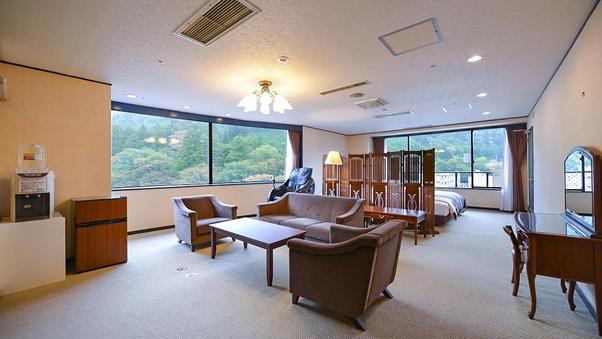 新館 貴賓室【ロイヤルスィート】 ツイン+10畳【喫煙可】