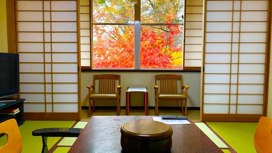 ・和室8畳 全室南向き、大きな窓から陽射しが差し込みます