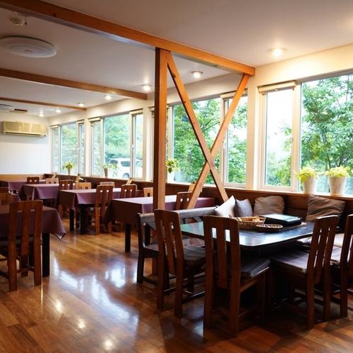 朝食・夕食はこちらで召し上がっていただきます。