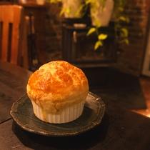 朝ねぼう名物の特製「パイの包み焼き」
