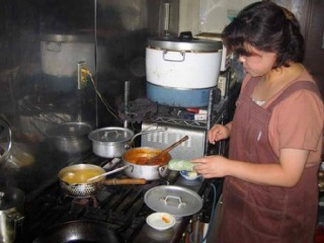 ラポママ 厨房