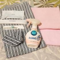 *客室アメニティ/タオル、歯ブラシ、消臭スプレー等取り揃えています。