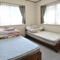 1号 ツインベッドルーム