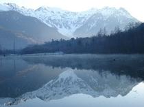 大正池に映る穂高連峰