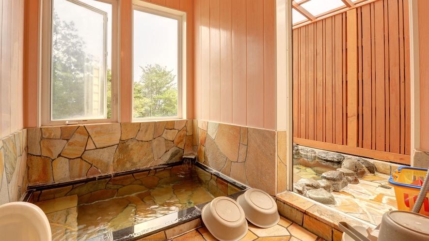 *貸切風呂/家族で入れる無料の貸切風呂が2ヶ所、交代で貸切となります。