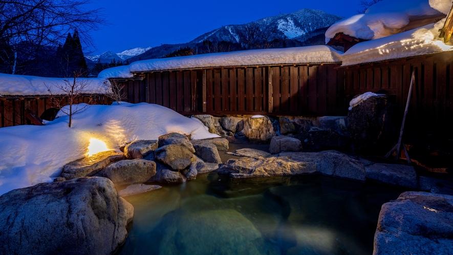 *【夜の貸切露天風呂】3種の露天風呂を無料でご利用いただけます!(24時間ご利用可)