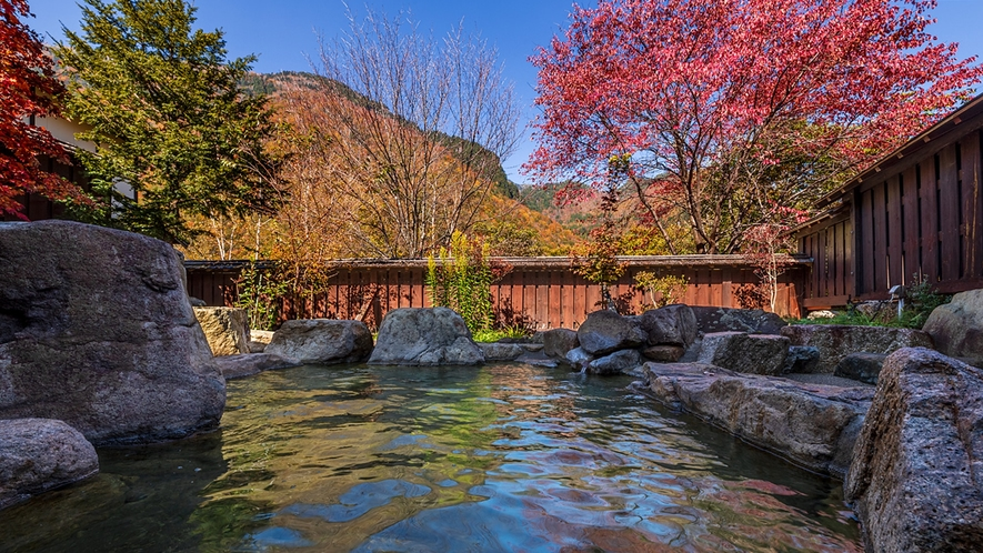*【きずなの湯】ご家族やカップルで楽しんでいただける庭園露天風呂