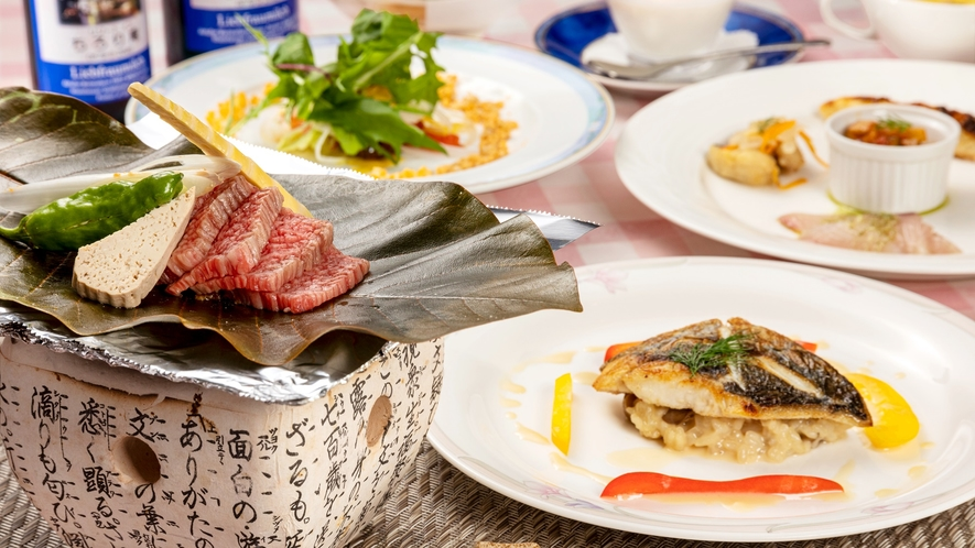 """*【夕食一例】飛騨高山の郷土料理""""朴葉味噌""""をメインとしたコース一例"""