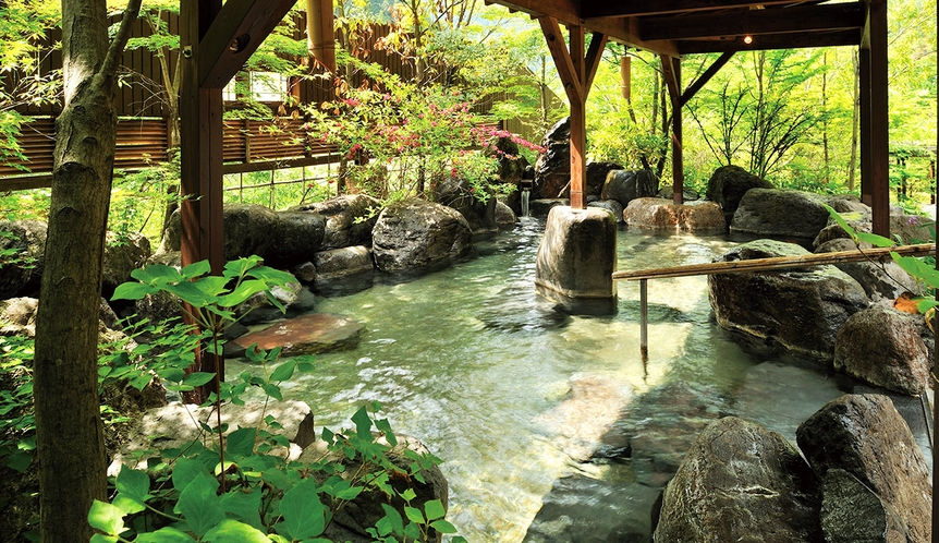 【吉祥の湯】岩風呂
