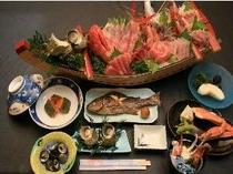 地元で取れた新鮮な魚を使って元料理人の主人が腕をふるう