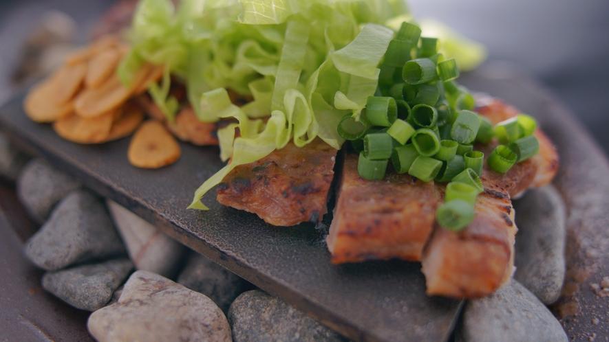 別注メニュー【富士桜ポークの味噌焼】山梨自慢のブランド豚です。1人前1320円