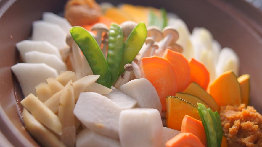 別注メニュー【甲州ほうとう】山梨を代表する郷土料理。熱々具だくさんです!1人前1100円