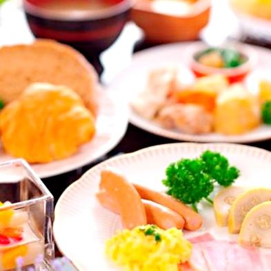 【喫煙】【1泊2食付】夕食は季節の創作和会席☆
