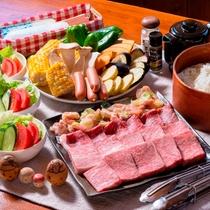 プレミアムプランの夕食一例 信州プレミアム牛&信濃鶏の炭火焼き