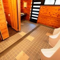 男性用共同トイレ