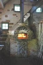 トゥンブクトゥの朝食のパンを作っているパン屋さんの石釜